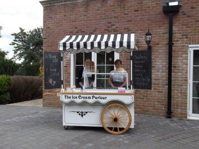 ice-cream-cart-black-white