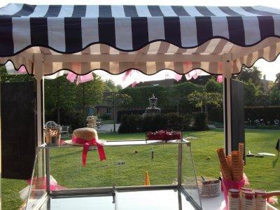 ice-cream-cart-garden