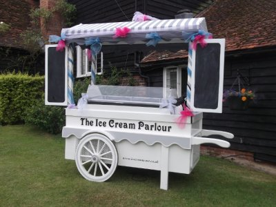 ice-cream-cart-wedding