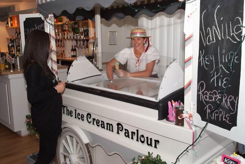 ice-cream-wedding